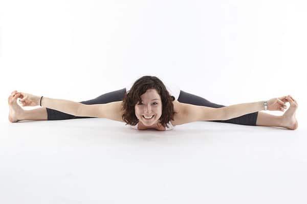 https://commons.wikimedia.org/wiki/File:Yoga_Split_2.jpg
