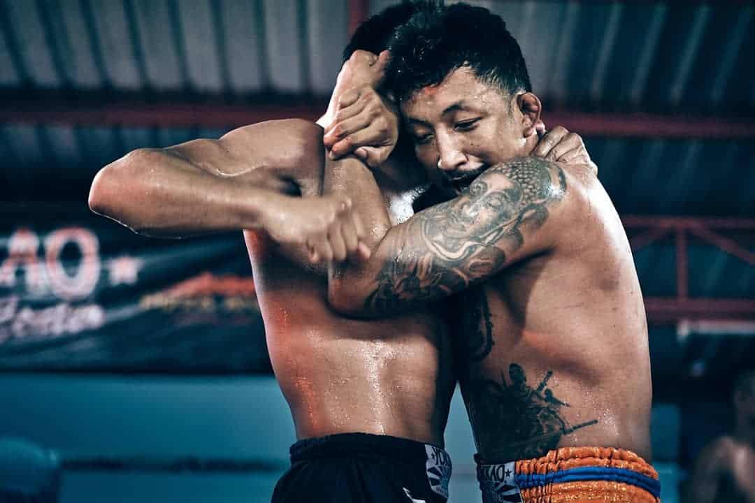 muay thai clinch training