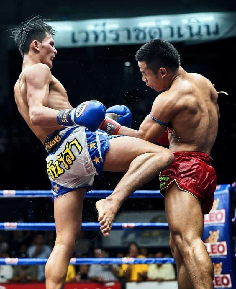 muay khao knee fighter