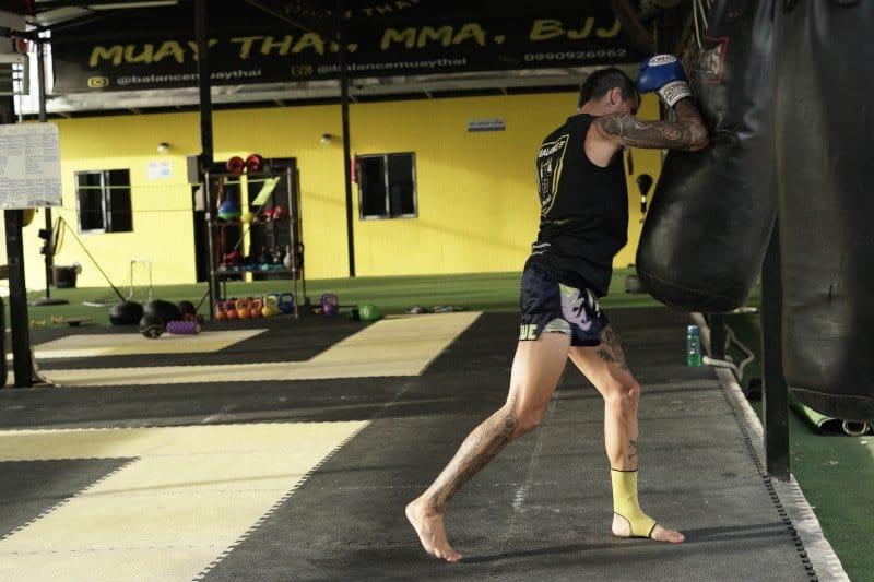 muay thai elbow strikes