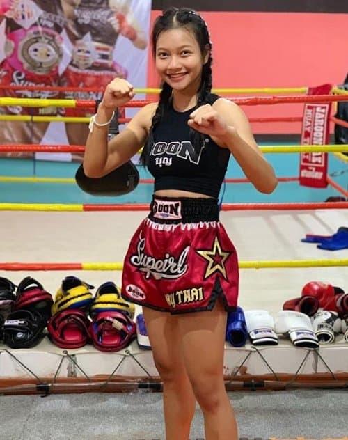 muay thai female