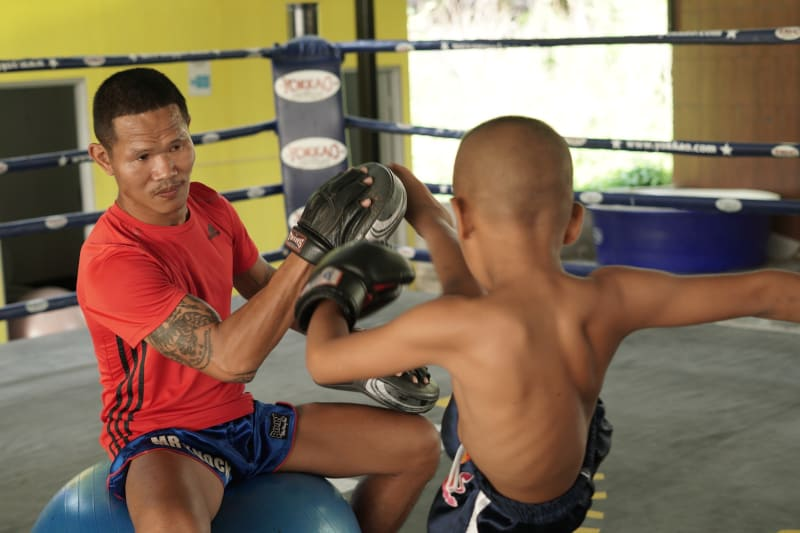 focus mitts vs thai pads